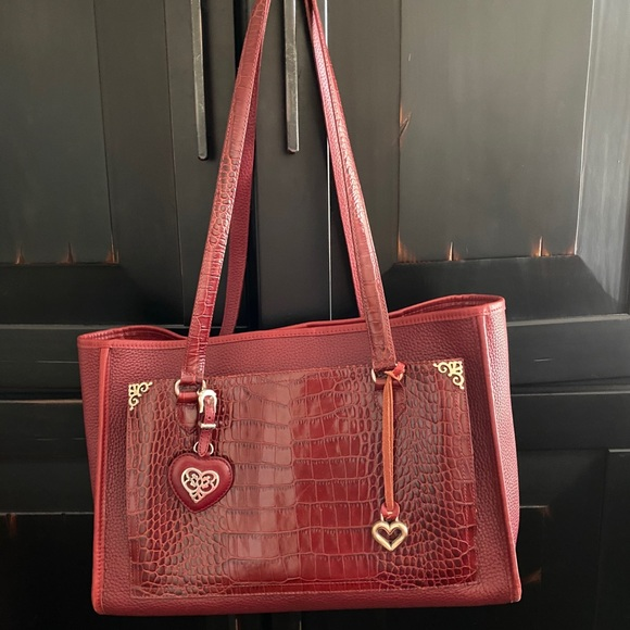 ❤️SOLD❤️Vintage Brighton Red Croc Embossed Handbag